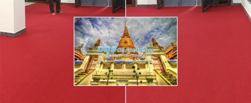 ปูพรมสีแดง จากทางร้าน ที่วัดบวรนิเวศวิหารราชวรวิหาร